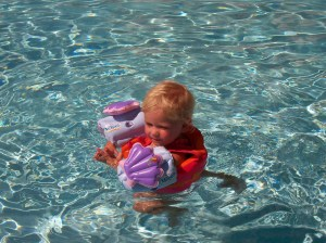 Izzie learned to swim on her own